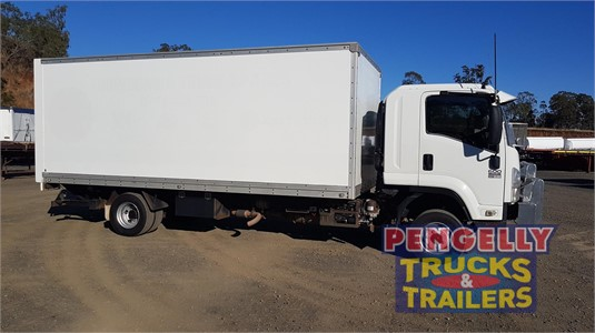 2009 Isuzu FRR 600 Pengelly Truck & Trailer Sales & Service - Trucks for Sale