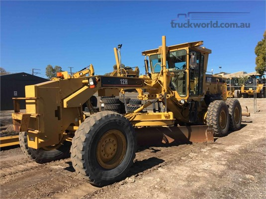 2005 Caterpillar 12H NA Heavy Machinery for Sale