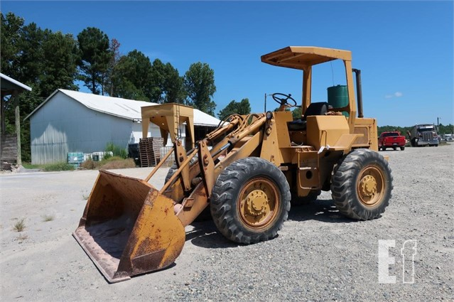 EquipmentFacts com   CAT 923 Wheel Loader Online Auctions