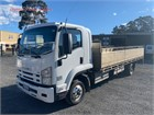 2010 Isuzu FRR 600 Long Table / Tray Top with Gates