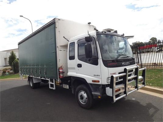 2004 Isuzu FRR 525 - Trucks for Sale