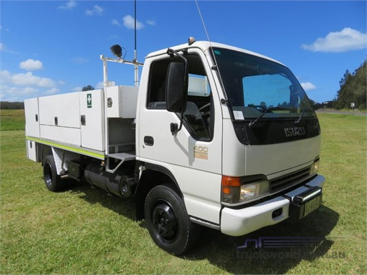 2004 Isuzu NPR400 Trucks for Sale
