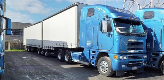 2008 Freightliner Argosy - Trucks for Sale