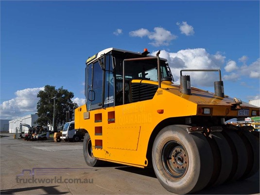 2005 Ammann AP240 - Heavy Machinery for Sale