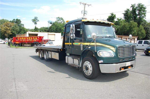 2007 FREIGHTLINER FL70 For Sale In East Hanover, New Jersey