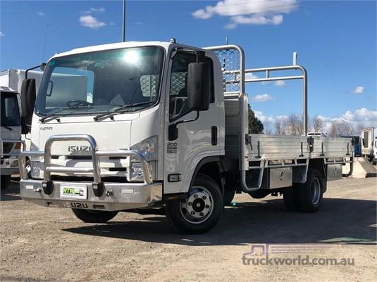 2015 Isuzu NPR 200 Trucks for Sale