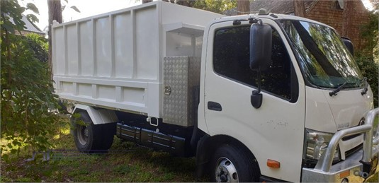 2012 Hino 300 Series 917 Trucks for Sale
