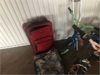 LOT 2, 3 BICYCLES,CLOTHES CASES,CRUTCHES