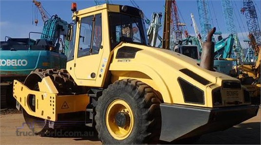 0 Bomag BW211D-4 - Heavy Machinery for Sale