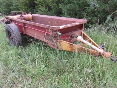 Dry Manure Spreaders Online Auctions - 21 Listings