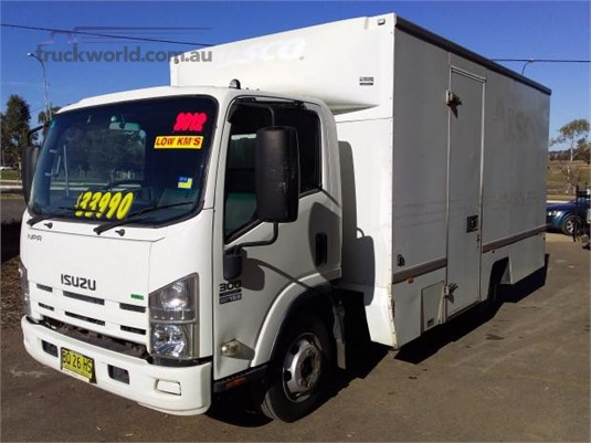 2012 Isuzu NPR 300 Trucks for Sale