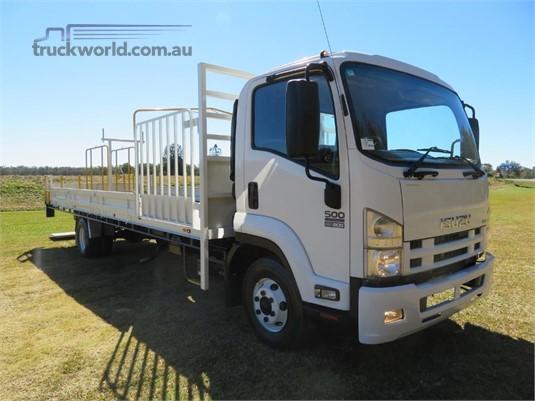 2014 Isuzu FRR500 - Trucks for Sale