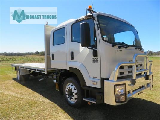 2011 Isuzu FTR 900 Premium Crew Cab Midcoast Trucks - Trucks for Sale