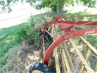 New Holland 256 side delivery hay rake
