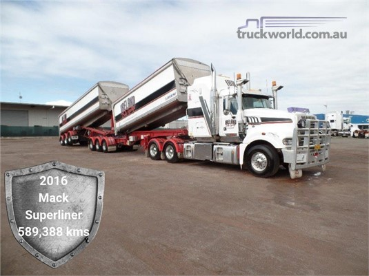 2015 Mack Super Liner - Trucks for Sale