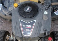 MTD Gold Riding Mower (view 3)