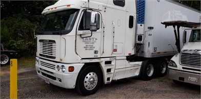 FREIGHTLINER Cabover Trucks W/ Sleeper For Sale - 45