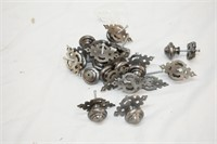 (15) Metal Knobs