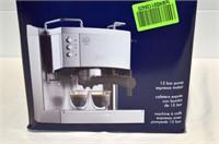 DeLonghi 15 Bar Pump Espresso Maker
