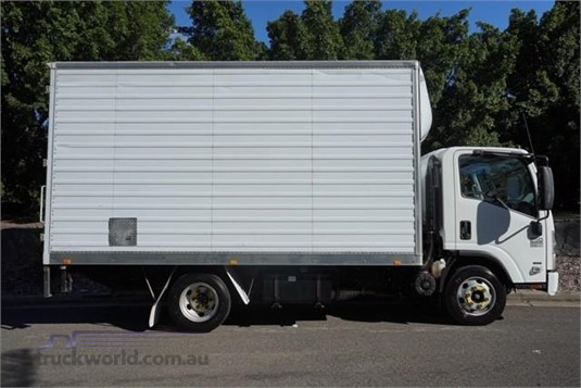 2009 Isuzu NPR Suttons Trucks - Trucks for Sale