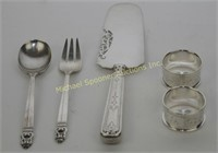 FIVE STERLING PIECES OF TABLEWARE