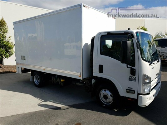 2013 Isuzu NPR 200 Trucks for Sale