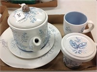 Beautiful Glassware & Pottery Online Auction