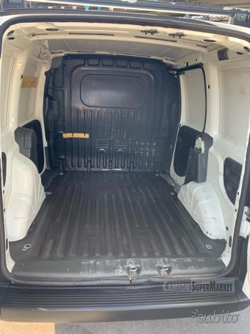 Fiat DOBLO Usato 2004