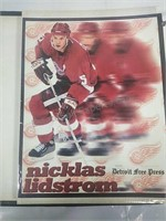 "Assorted 8""x 10"" Red Wings Pictures in Photo Book"