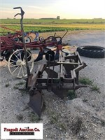 John Deere 3 Bottom Plow, 3pt Hookup