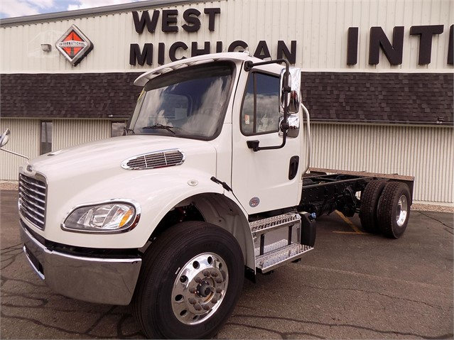2019 FREIGHTLINER BUSINESS CLASS M2 106 For Sale In Holland, Michigan