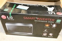 LG Smart Inventor Microwave Oven