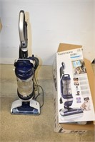 Kenmore Pet Friendly Crossover Vacuum (Works)