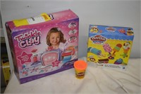 Twinkle Clay & Play-Doh Set (Open Box)