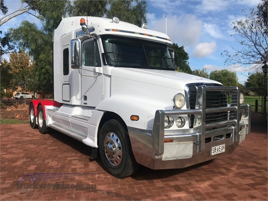 2010 Freightliner Century Class CST120 - Trucks for Sale