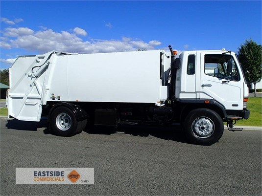 2001 Mitsubishi Fighter FK618 Eastside Commercials - Trucks for Sale