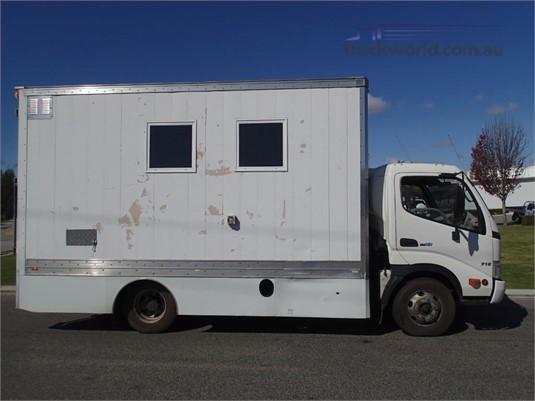 2007 Hino Dutro 716 - Trucks for Sale