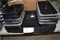 LOT OF PLASTIC SERVING TRAYS