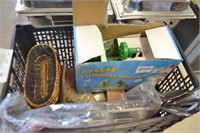 ASSORTED KITCHENWARE AND TURNING SLICER