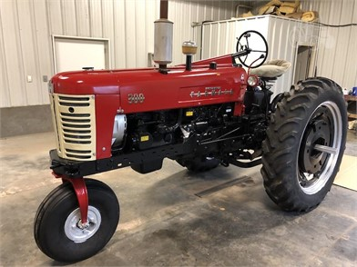 INTERNATIONAL 40 HP To 99 HP Tractors For Sale - 496