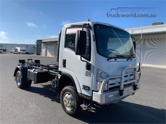 2014 Isuzu NNR Blacklocks Truck Centre - Trucks for Sale
