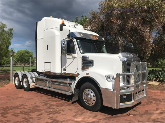 2012 Freightliner Coronado FLX122 - Trucks for Sale