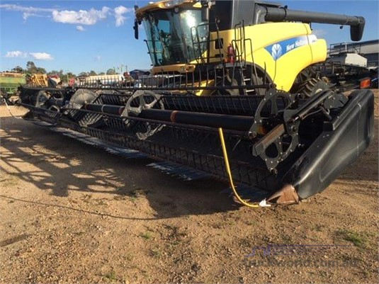 2008 New Holland CR9070 Black Truck Sales - Farm Machinery for Sale