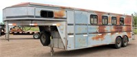 1998 Titan Horse Trlr, Slant Load, GN, 2-axle, Dressing Room w/Shower, needs paint (view 1)