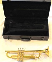 Trumpet w/case, no mouthpiece (view 2)