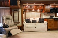 2007 Country Coach Allure 430 40FT
