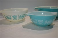 Set of 3 Pyrex Nesting Bowls