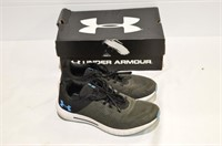 Under Armour Micro G Pursuit Runners - 9.5