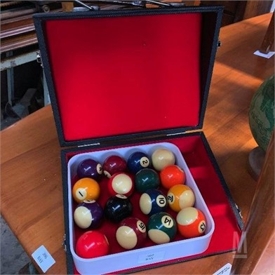 A Nice Set Of Kelly Pool Balls Other Items For Sale 1
