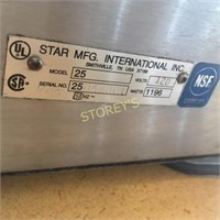 Star Hot Dog Roller w/ Cover - 23 x 17 x 11